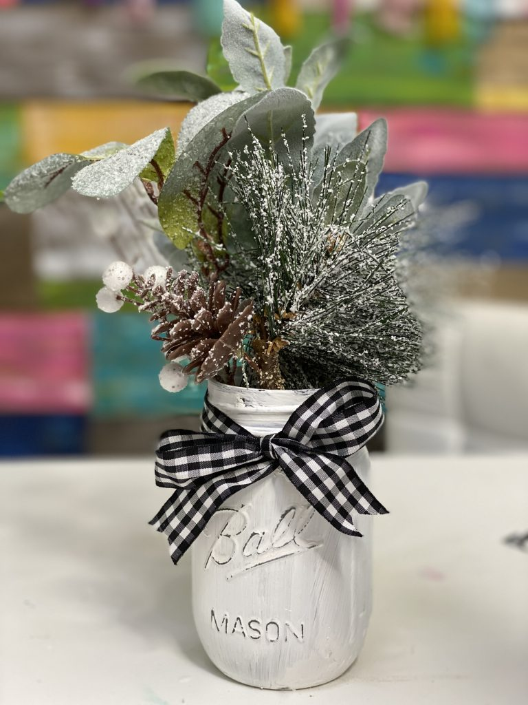 Easy Painted Mason Jar Christmas Decor