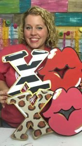 XOXO Valentine's Day Lips Kisses Door Hanger with Tamara Bennett of Southern ADOORnments